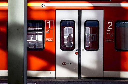 Waffen-Alarme in S-Bahnen bleiben rätselhaft