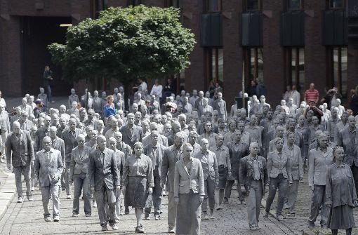 Es kamen mehrere Hundert Menschen zusammen. Foto: AP