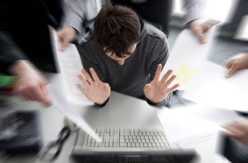 Zehn Bürosprüche – und was sie wirklich bedeuten