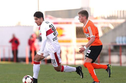 Das erst 18-jährige Talent des VfB Stuttgart, Berkay Özcan, erzielte das einzige Tor beim 1:0-Sieg gegen den FC Lausanne-Sport Foto: Pressefoto Baumann