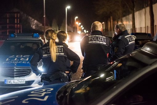 In einem Wohngebiet in Neuhausen verschanzte sich ein Mann in einer Garage. Foto: www.7aktuell.de | Oskar Eyb