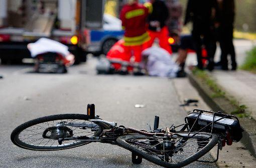 Radfahrer erfasst und schwer verletzt