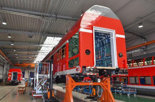 Bombardier hat Lieferprobleme. Produktion von Doppelstockwagen im Werk Bautzen. Foto: dpa