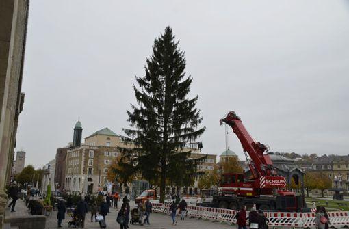 Diebe stehlen Autokran in Stuttgart-Untertürkheim