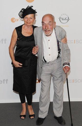 2012: Moderator Peter Lustig und seine dritte Ehefrau Astrid beim ZDF-Sommertreff  in Berlin.  Foto: dpa