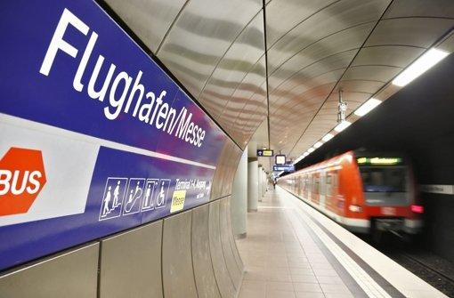 Die S-Bahn muss sich am Flughafen die Gleise womöglich doch nicht mit dem ICE teilen Foto: dpa