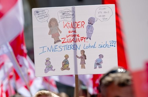 Kita-Erzieherinnen streiken weiter