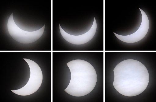 Verschiedene Phasen der partiellen Sonnenfinsternis am 4. Januar 2011. Auch am 20. März wird nur ein Teil der Sonne vom Mond bedeckt sein. Ob man das Himmelsschauspiel beobachten kann, hängt von der Wetterlage und vom Standort ab. Foto: dpa