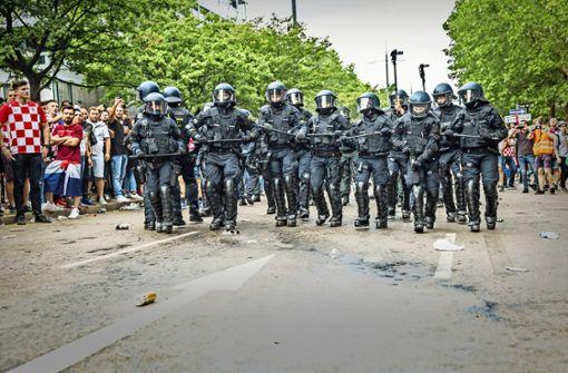 Polizei wertet Videoaufnahmen aus