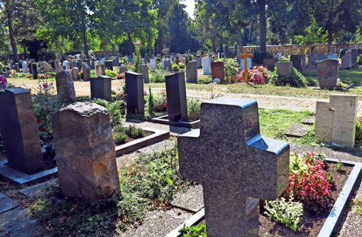 Kann ein Grabstein Menschen gefährden?