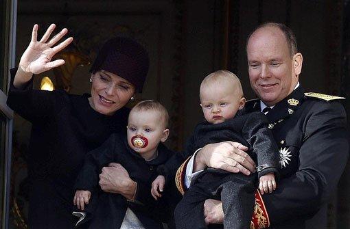 Doppeltes Baby-Glück: bGabriella und Jacques/b heißen die Zwillinge von Fürst Albert von Monaco und seiner Frau Charlène. Foto: dpa