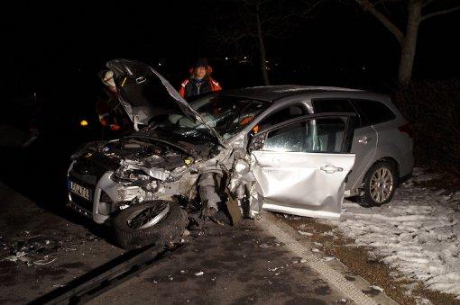 Mit schweren Verletzungen kam ein Ford-Fahrer nach einem Unfall bei Leonberg am Mittwoch in ein Krankenhaus. Foto: www.7aktuell.de |