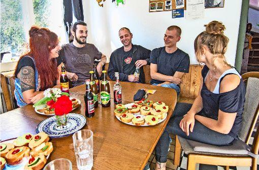 """Die Heslacher WG """"Revier 5"""" hat kaum Geld, will aber das Haus kaufen, in dem sie wohnt. In der Bildergalerie führen wir durch die Immobilie in der Böheimstraße. Foto:Lichtgut / Rettig Foto:"""