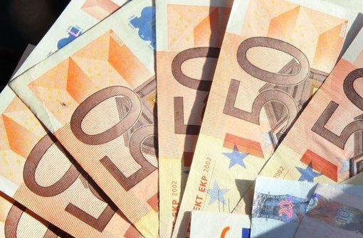 Ein 35-Jähriger soll gefälschte 20- und 50-Euro-Scheine im Internet gekauft und in Umlauf gebracht haben. Foto: dpa-Zentralbild