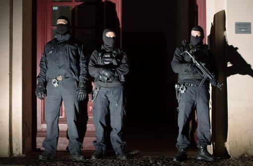 Im Januar 2015 gab es in Berlin einen groß angelegten Anti-Terror-Einsatz. Über 200 Polizisten, darunter auch Spezialeinsatzkräfte, durchsuchten mehrere Objekte und vollstreckten Haftbefehle gegen Verdächtige aus der Islamisten-Szene. Foto: dpa