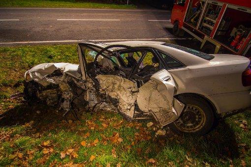 Ein 25-jähriger Mann ist bei einem schweren Verkehrsunfall bei Neckarsulm ums Leben gekommen. Drei Menschen wurden schwer verletzt. Foto: www.7aktuell.de/Schmalz