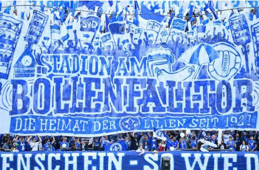 Platz 25: Auf dem letzten Platz landet das Merck-Stadion am Böllenfalltor, in dem der SV Darmstadt 98 zu Hause ist. Das einzige vegane Gericht ist laut Peta eine Portion Pommes frites. Foto: dpa