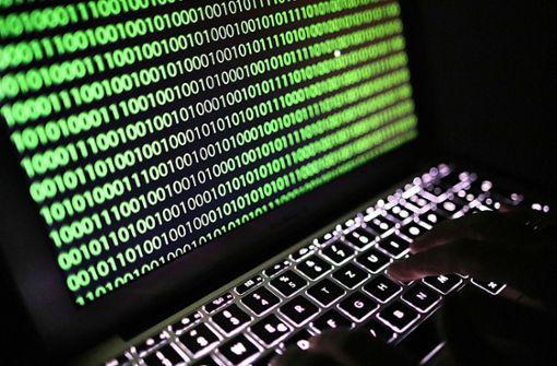 Aktuell grassiert im Internet ein Virus, der auf infizierten Computern Foto: dpa