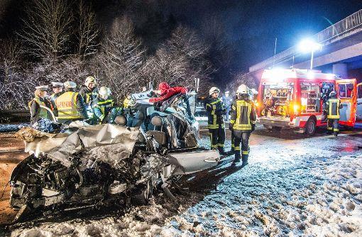 Geisterfahrerin verursacht Unfall – zwei Tote