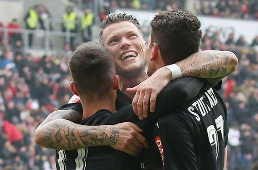 Gomez-Tor beschert Roten ersten Auswärtssieg