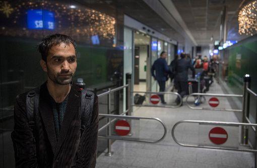 Haschmatullah F. bei seiner Rückkehr auf dem Flughafen in Frankfurt. Foto: dpa