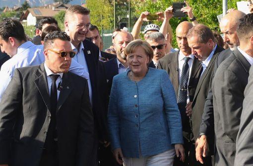 Angela Merkel besucht DFB-Team