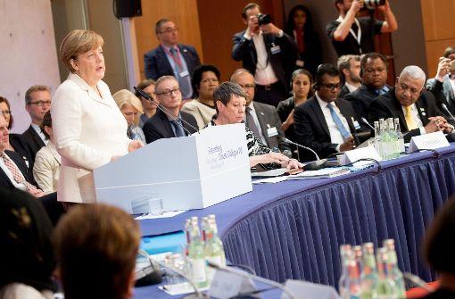 Kanzlerin Angela Merkel (CDU) hat mit Blick auf die USA vor einem Ermüden im weltweiten Kampf gegen den Klimawandel gewarnt.  Foto: dpa