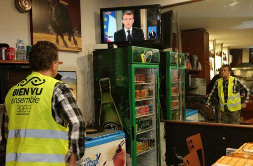 Kaum Ruhe für Macron