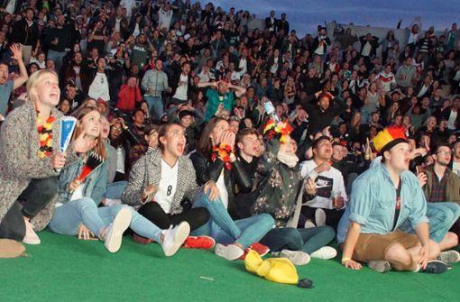 Fußballfans feiern den WM-Sieg friedlich