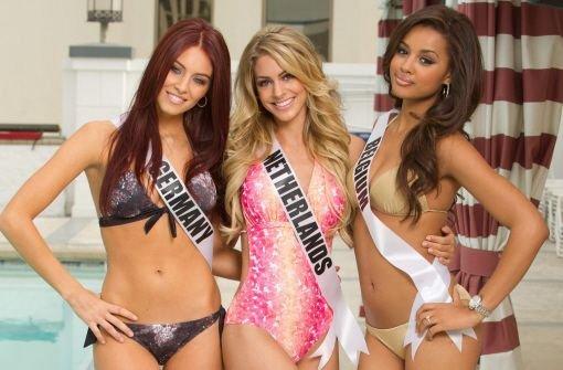 Zur Einstimmung auf die Finalshow zur Miss Universe 2012 am 19. Dezember sind die Kandidatinnen bereits jetzt in Las Vegas angekommen. Klicken Sie sich durch unsere Bildergalerie - hier zu sehen (von links nach rechts): Alicia Endemann (Miss Deutschland), Nathalie den Dekker (Miss Niederlande) und Laura Beyne (Miss Belgien). Foto: dpa/Miss Universe Organization