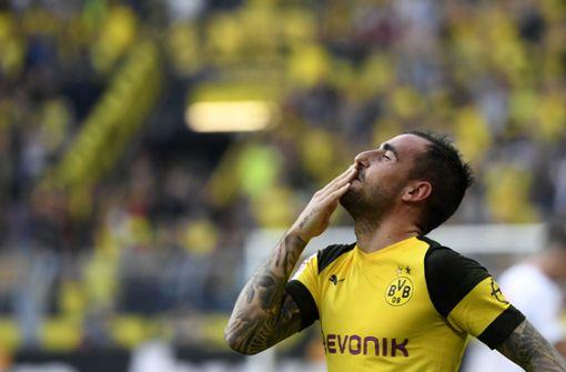 """Laut """"Bild"""" sollen sich der spanische Stürmer Alcacer und der BVB auf einen Vertrag bis 2023 geeinigt haben. Foto: AFP"""