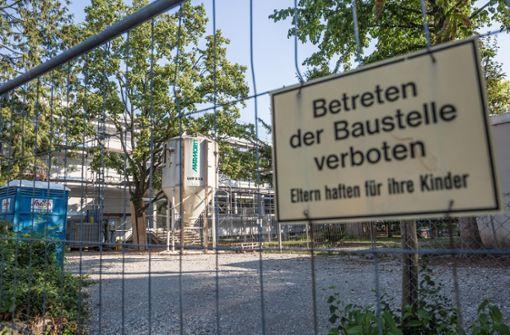 In der Ameisenbergschule sind in den Sommerferien Handwerker für umfangreiche Sanierungsarbeiten angerückt. Foto: Lichtgut/Julian Rettig