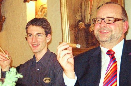 Klaus Allmendinger (re.) genießt nicht nur am Clubabend Zigarren. Foto: Archiv Thimme