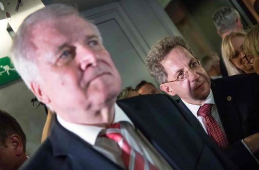 SPD-Spitze fordert Merkel zu Entlassung Maaßens auf
