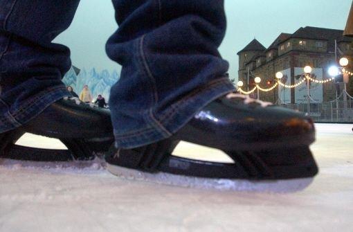 Sobald es draußen kälter wird, packen die Eislauffreunde in der Region wieder ihre Schlittschuhe aus. Foto: dpa