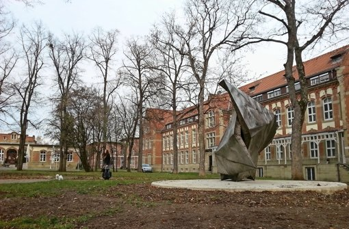 Die scharfe Skulptur im Kulturpark Berg