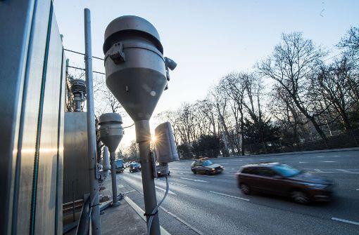 Messstation am Stuttgarter Neckartor: Von kommendem Jahr  an sind Fahrverbote geplant Foto: dpa