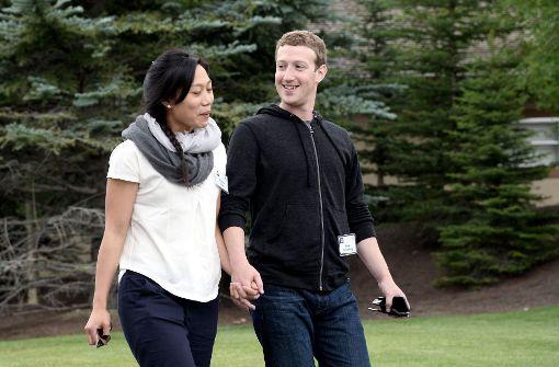 Facebook-Gründer und Ehefrau spenden Millionen an Harvard