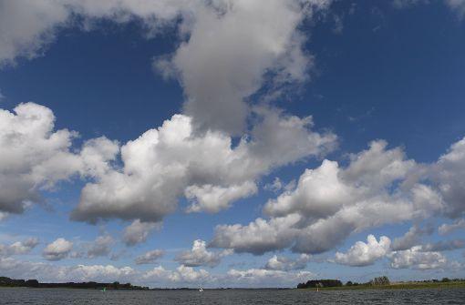 Viele Wolken ziehen vorüber