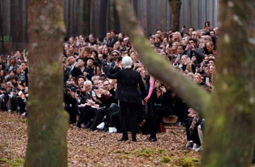 Lagerfeld lässt Eichen für Modenschau fällen