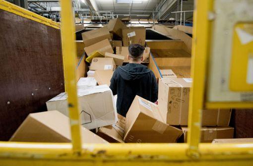 Gegen den Verpackungswahn bei Paketen