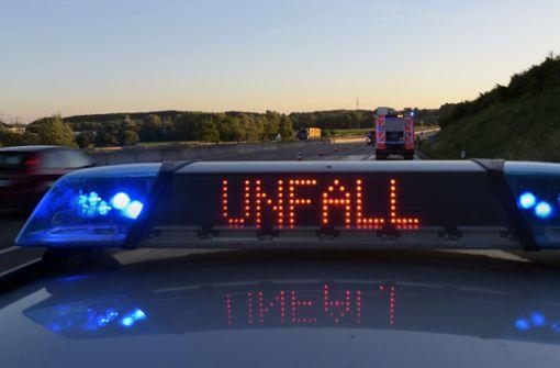 Elf Fahrzeuge in Auffahrunfall verwickelt – zwei Spuren gesperrt