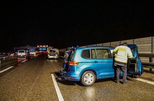 Unfall auf der A8: mehrere Verletzte