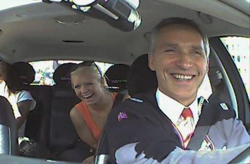 Ministerpräsident Stoltenberg lenkt Taxi