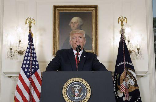 """Trump verurteilt """"rassistische"""" Gewalt"""