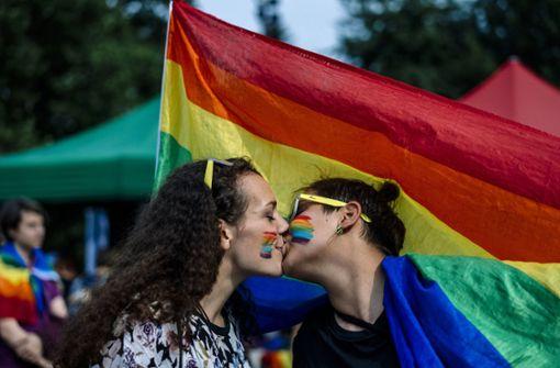 Tausende Menschen haben am Samstag bei Gay-Pride-Paraden für die Rechte von Homosexuellen demonstriert. Foto: AFP