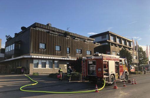 Großeinsatz bei Schwelbrand in Seniorenheim