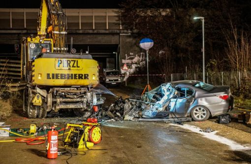 Zu einem tödlichen Unfall ist es in Wendlingen im Kreis Esslingen gekommen. Foto: SDMG
