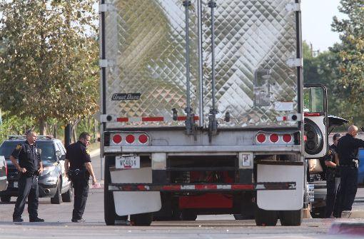 Neun Menschen sterben nach Tortur in Lkw-Laderaum