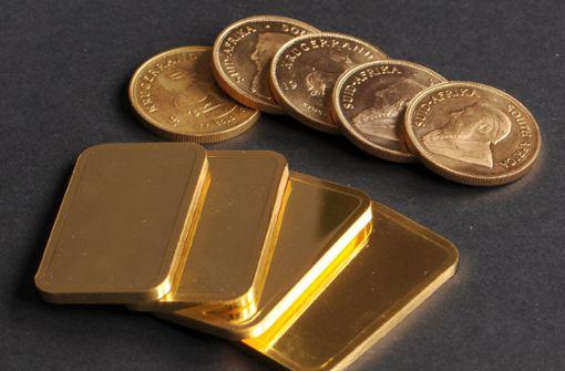 Einen möglicherweise wertvollen Fund hat ein Jugendlicher im Stuttgarter Westen gemacht. Der 14-Jährige fand einen Beutel mit Goldbarren und Münzen. Ob sie echt sind, ist noch unklar. (Symbolfoto) Foto: dpa